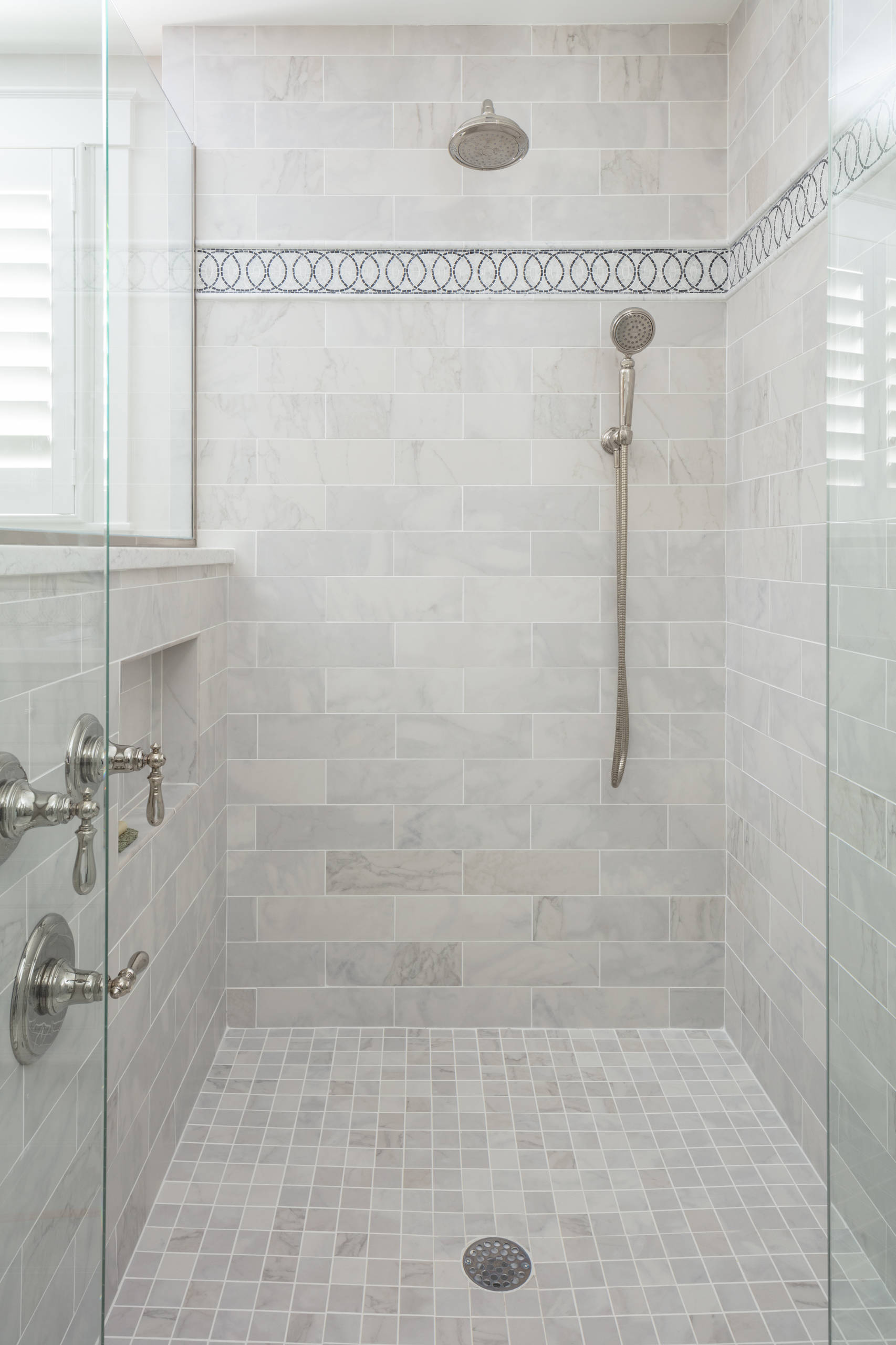 75 Beautiful Traditional Gray Tile Bathroom Pictures Ideas April 2021 Houzz