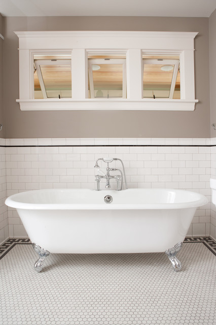 Charming Classic Subway Tile Bathtub Surround Traditional Bathroom