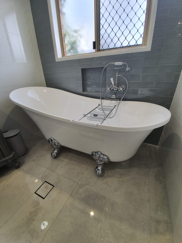 Claw foot bath Award winning - Victorian - Bathroom ...