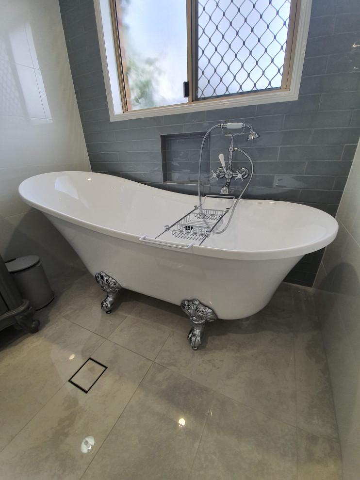 Claw foot bath Award winning - Victorian - Bathroom ...