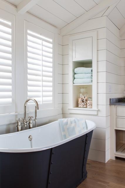 Cliff Road Area - Nantucket - Beach Style - Bathroom - boston - by Jonathan Raith Inc.