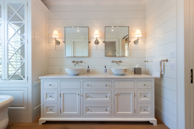 Cliff Road Area - Nantucket - Beach Style - Bathroom ...
