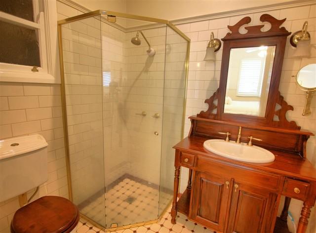 Coleman St traditional-bathroom