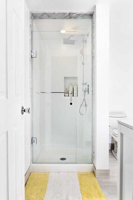 Collingwood Ski Chalet Contemporary Bathroom