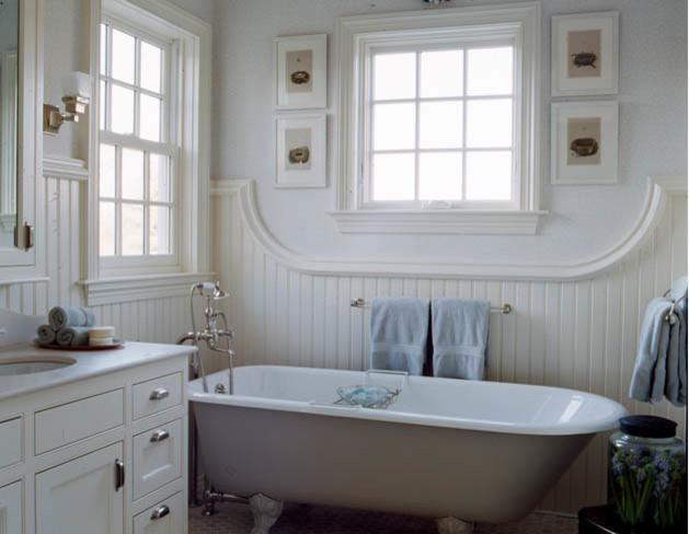 Colonial Farmhouse Traditional Bathroom