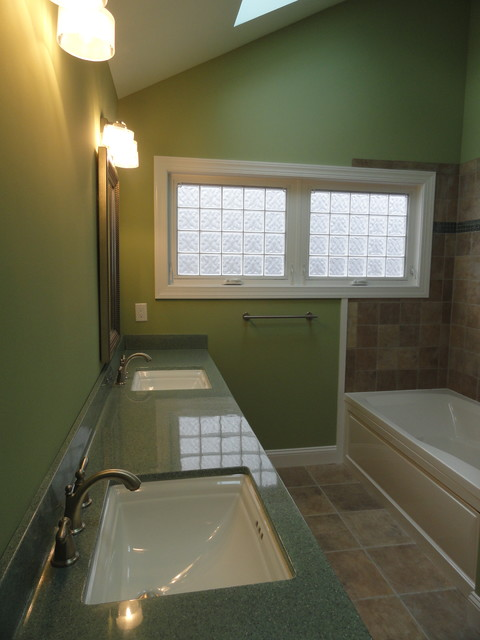 Colonial renovation and additions traditional bathroom for Colonial bathroom ideas