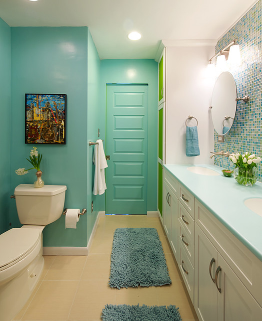 Colorful and modern bathroom contemporary bathroom for Modern bathroom colors ideas photos