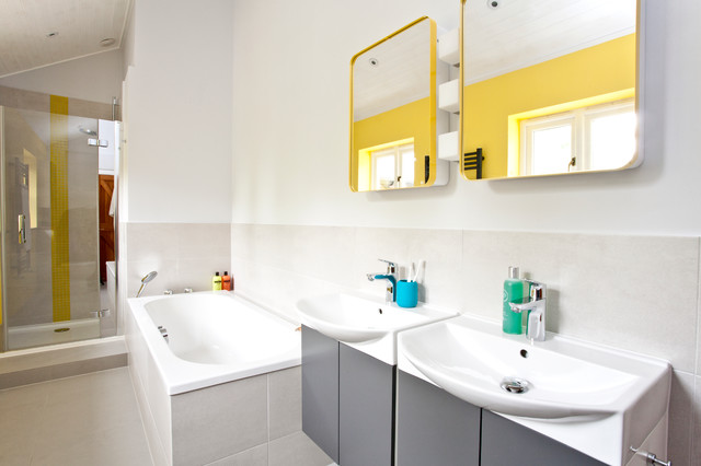 Colorful kids bathroom modern bathroom oxfordshire for Bathroom design oxfordshire