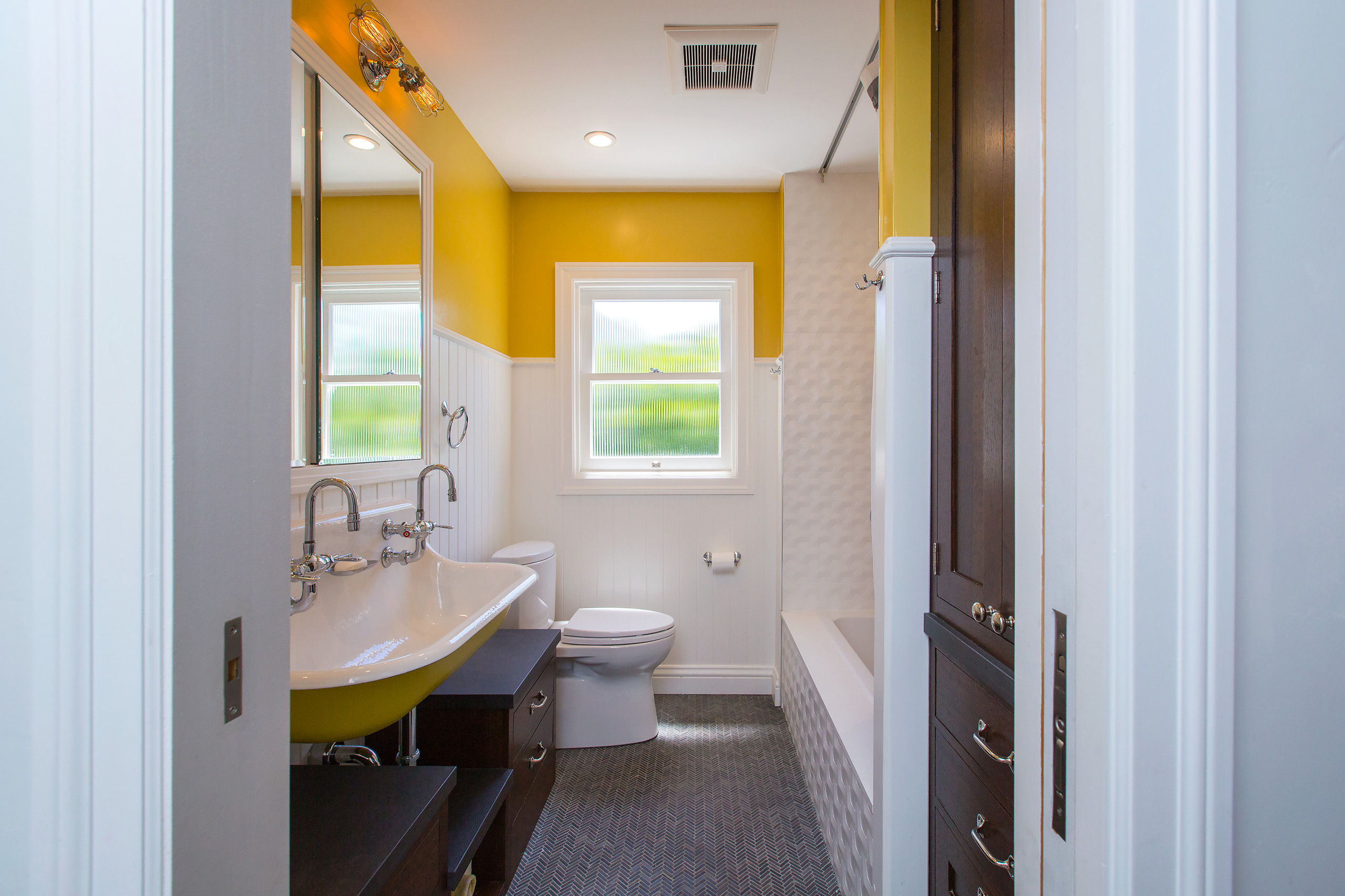 75 Beautiful Bathroom With Yellow Walls Pictures Ideas January 2021 Houzz