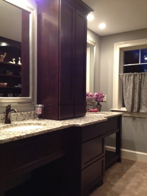 Comfortable bath for Kitchen cabinets 01089