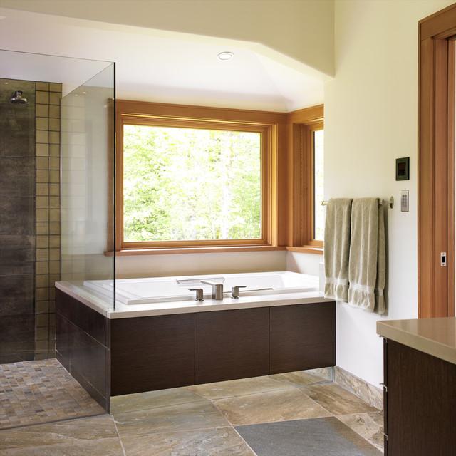 Comox -ensuite modern-bathroom