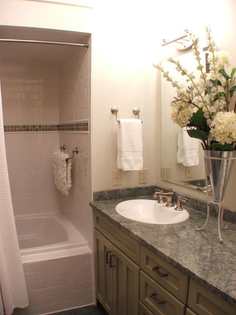 Condo kitchen bath design traditional bathroom for Bathroom design grand rapids mi