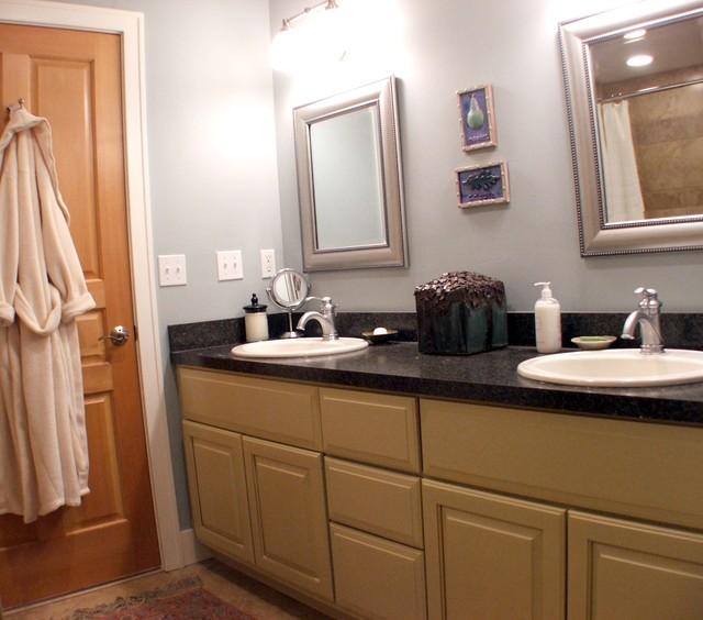 Condo kitchen bath design traditional bathroom for Bathroom cabinets grand rapids mi