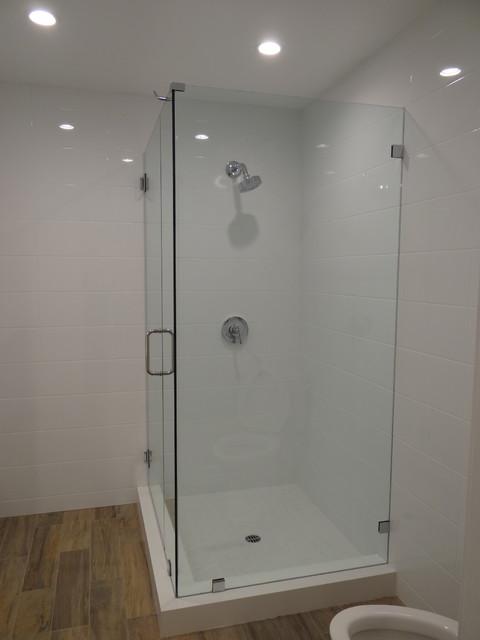 Condo renovation brentwood ca for Bathroom remodel 94513