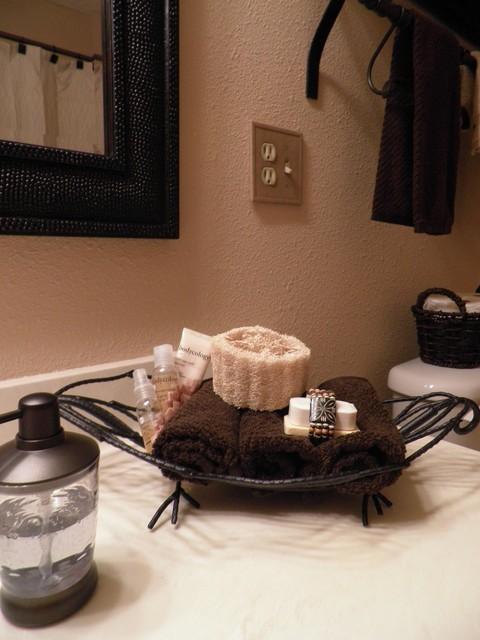 Connie Nikiforoff Designs contemporary-bathroom