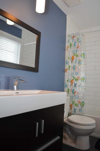 Construire à neuf contemporary-bathroom