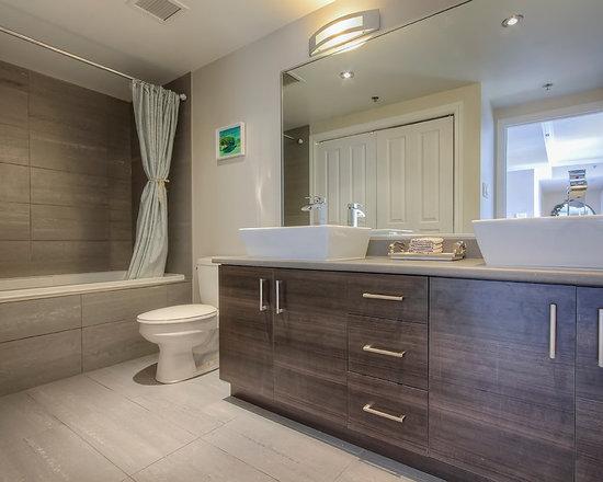 12x12 tile bathroom design ideas pictures remodel for Bathroom designs 12x12
