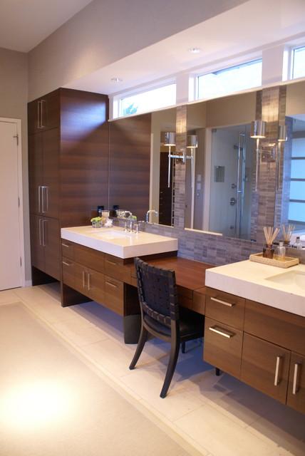 Plano, TX Modern Home contemporary-bathroom