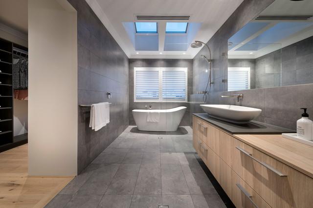 The Kuro - display home コンテンポラリー-浴室