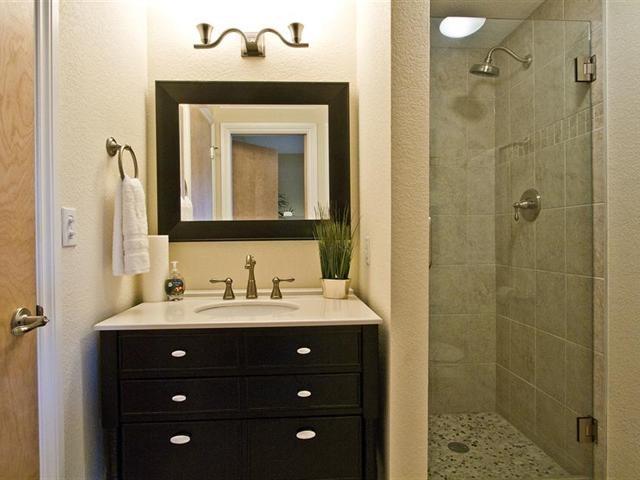 Contemporary Condo traditional-bathroom