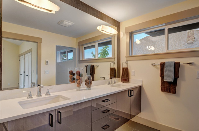 Contemporary Craftsman Single Family Home Craftsman Bathroom Seattle By Seattle Staging