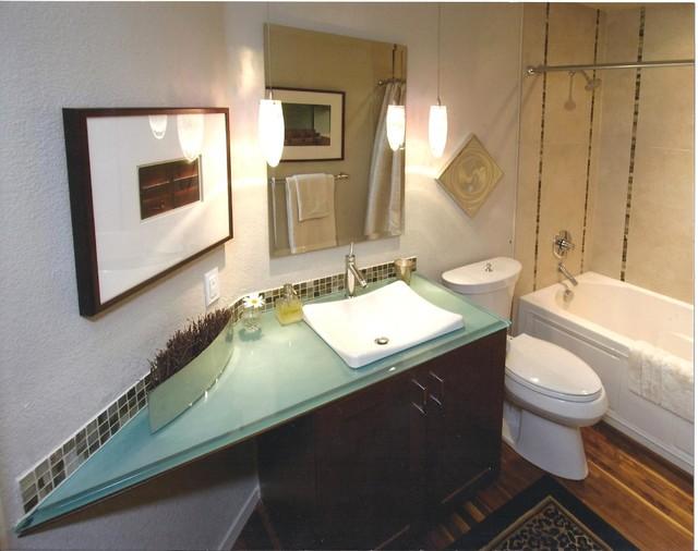 Contemporary guest bath contemporary bathroom boise for Contemporary guest bathroom ideas