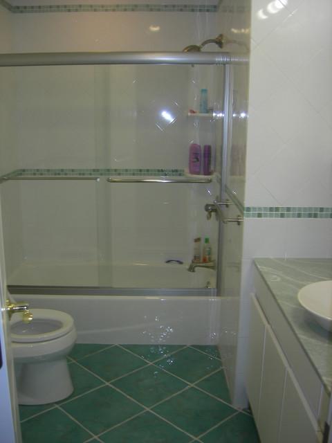 Contemporary Kids 39 Bathroom 2
