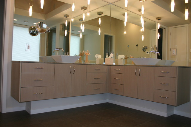 Contemporary Master Bathroom Corner Vanity