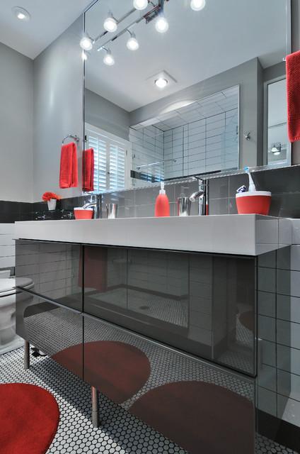 Contemporary ranch contemporary bathroom atlanta for Modern ranch bathroom