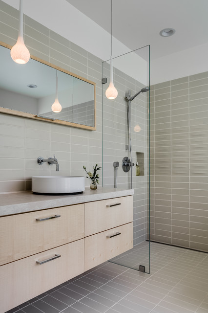 Contemporary refined and elegant bathroom palo alto ca bauhaus look badezimmer san - Bauhaus badezimmer ...