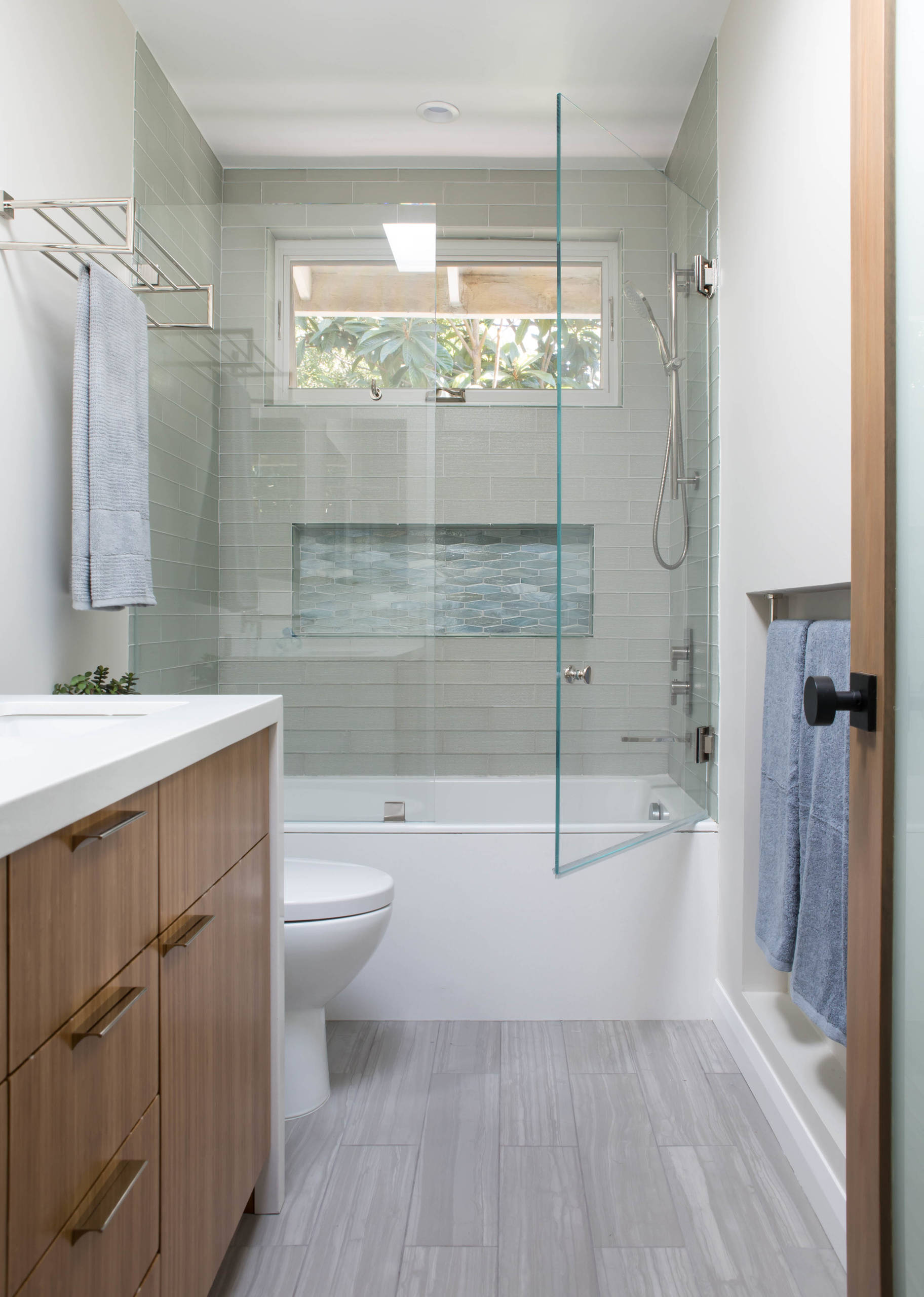 75 Beautiful Tub Shower Combo Pictures Ideas November 2020 Houzz