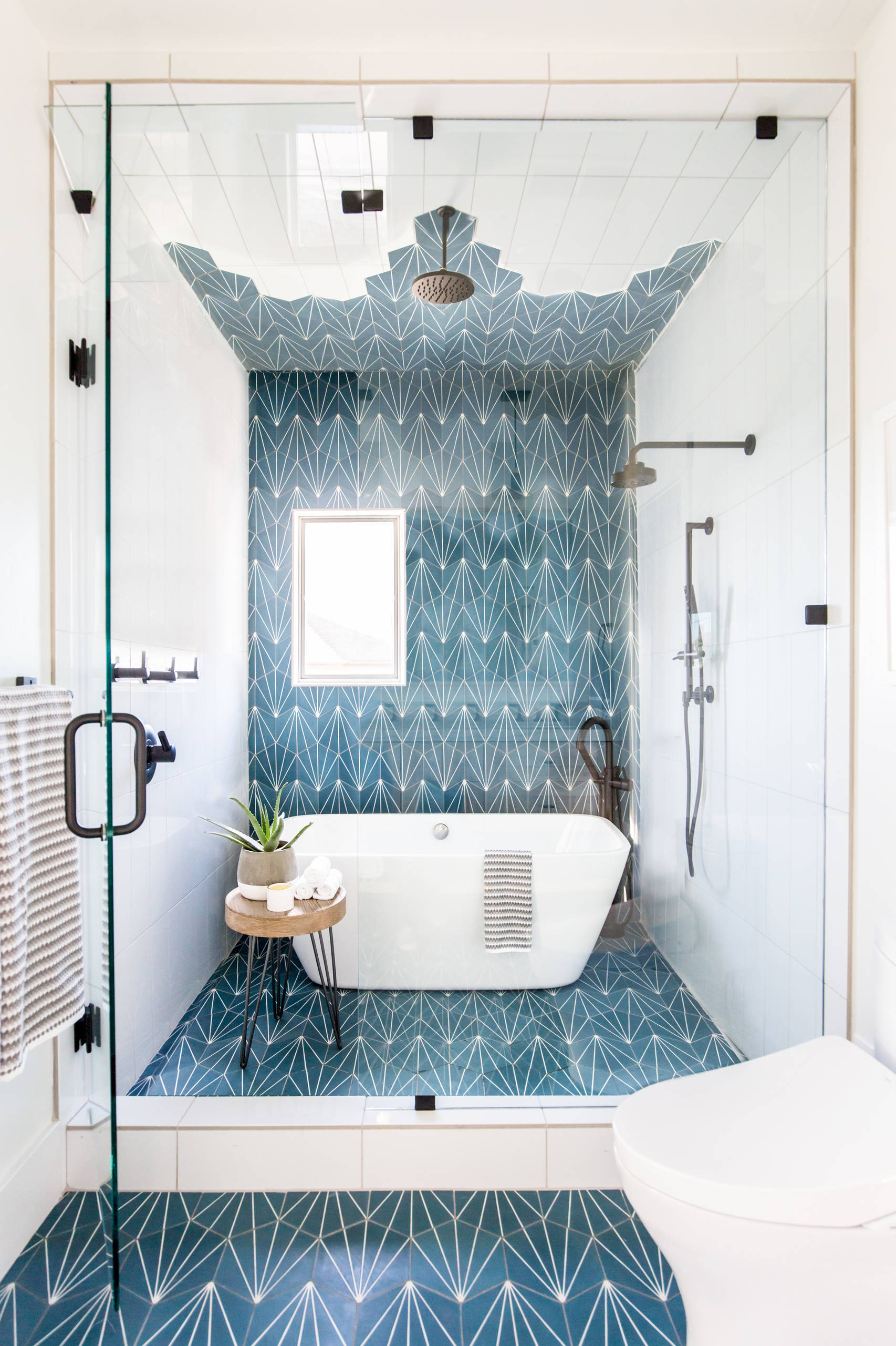 Blue Tile Bathroom Pictures Ideas