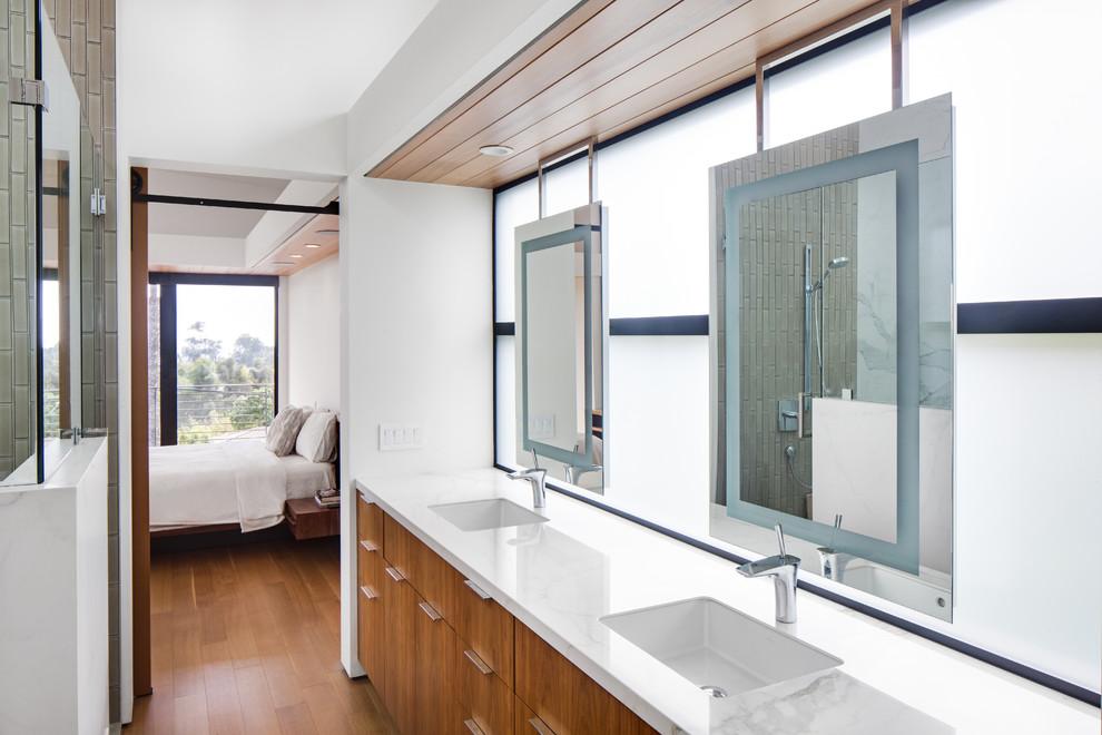 Trendy bathroom photo in Orange County