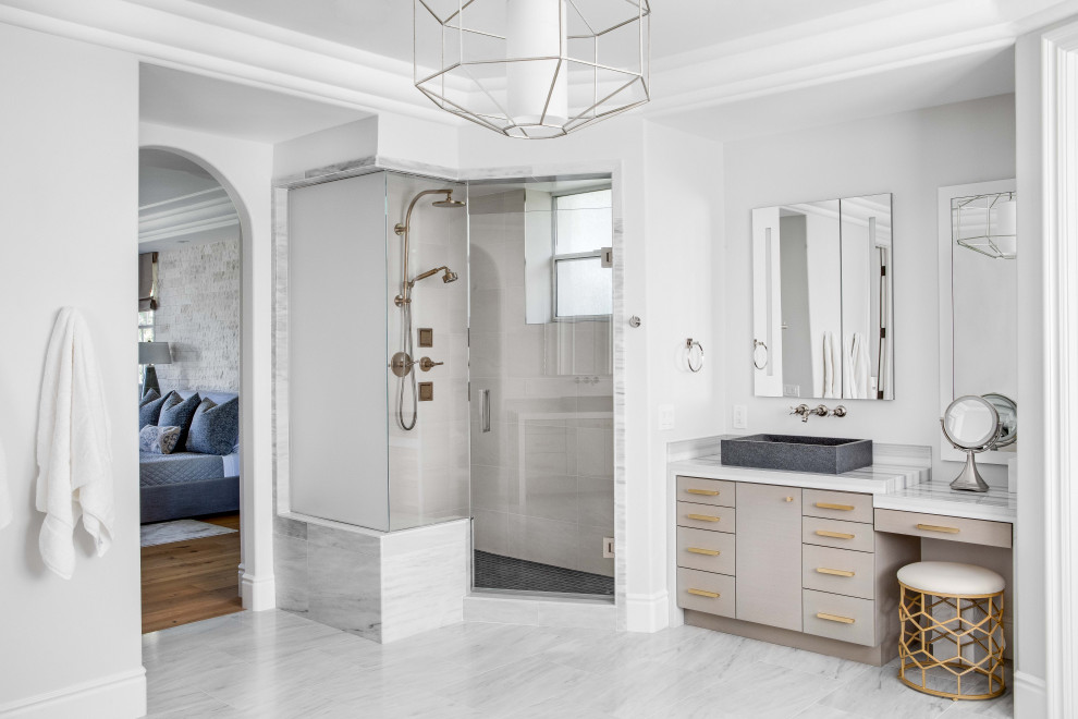 Master bathroom photo in Los Angeles with a hinged shower door