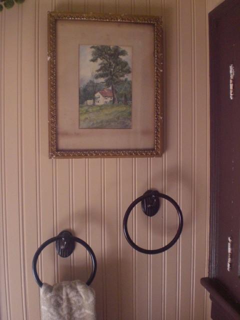 Cottage Bathroom traditional-bathroom