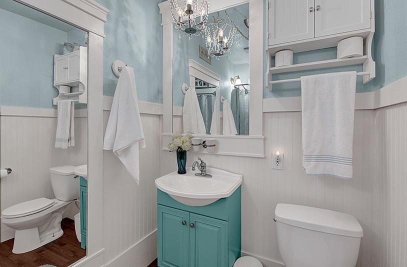 Bathroom - cottage bathroom idea in Seattle