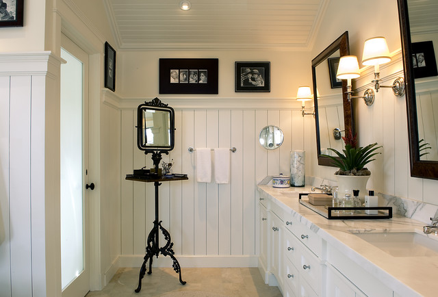 Cottage Modern eclectic bathroom
