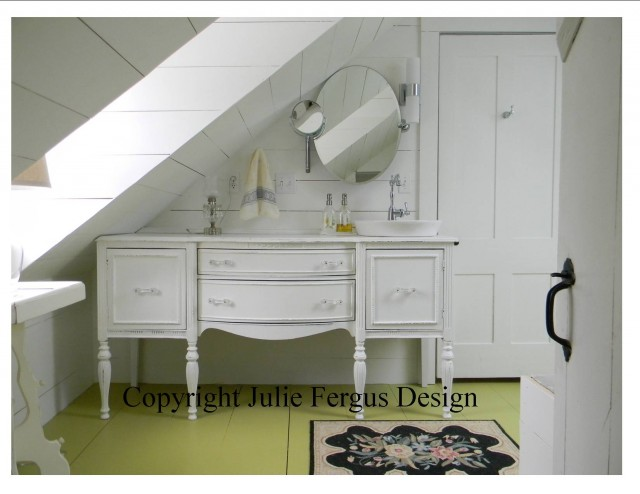 Cottage Style Bathroom - Bathroom - Manchester - by Julie Fergus, ASID