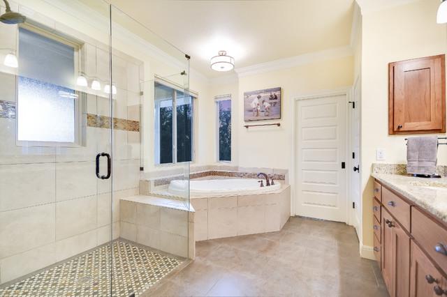 Bathroom - traditional bathroom idea in Austin