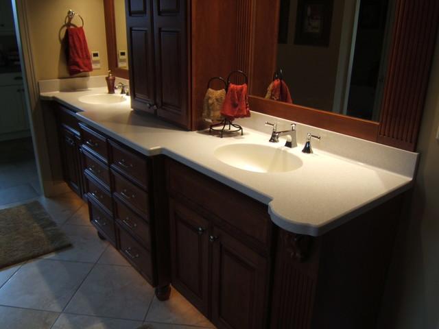 Countertops traditional-bathroom