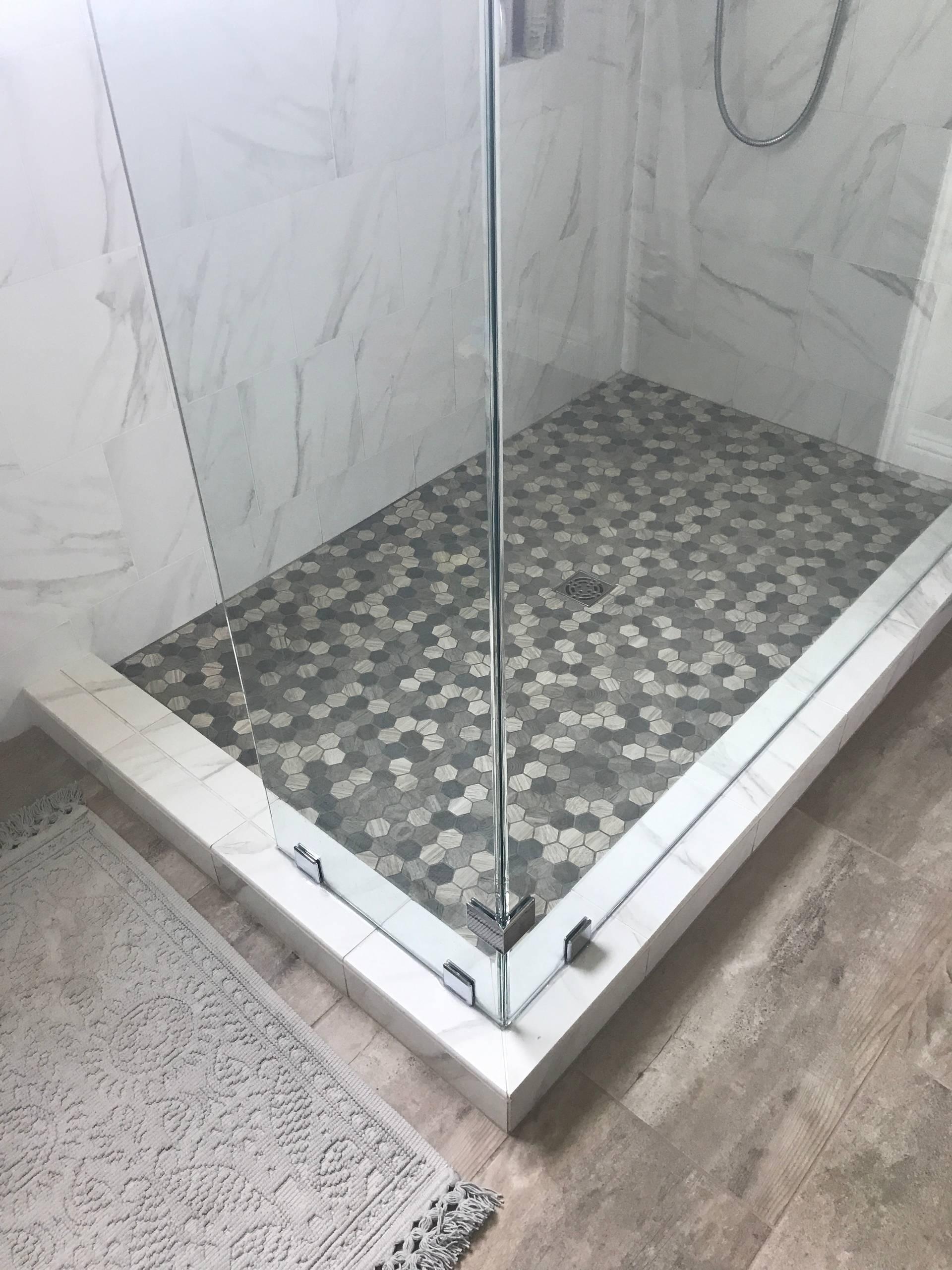Country Chic Contemporary Bathroom