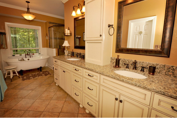 Country chic traditional bathroom birmingham by for Country chic bathroom ideas