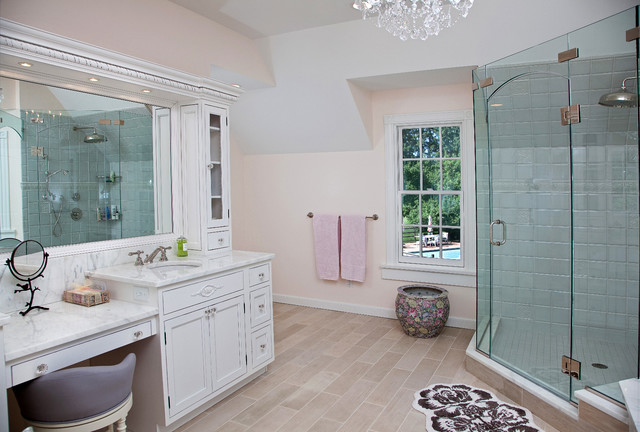 Inspiration for a timeless bathroom remodel in Newark
