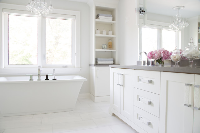 Inspiration for a transitional bathroom remodel in Toronto