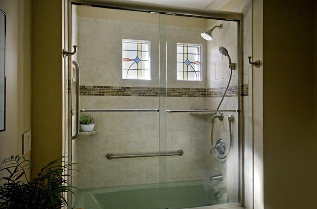 Chapel Hill Cream and Green Craftsman Hall Bath traditional-bathroom