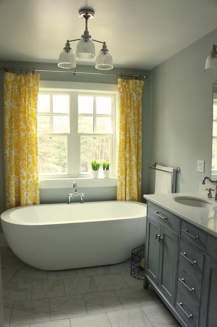 Craftsman house interior traditional bathroom ottawa for Bathroom designs ottawa