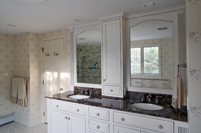 Creamy Beach Master Bathroom traditional-bathroom