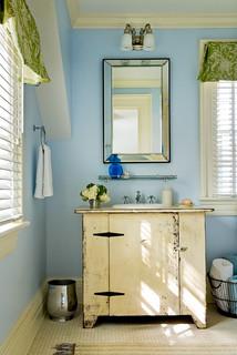 Crisp Architects - Farmhouse - Bathroom - New York - by Crisp Architects