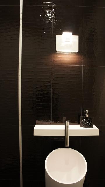 Crocodile Tile Luxury  Bathroom contemporary-bathroom