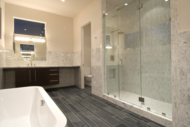 Croix custom homes modern bathroom houston by for Custom bathrooms